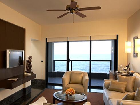 Bedroom Sea View - The Raviz Kovalam
